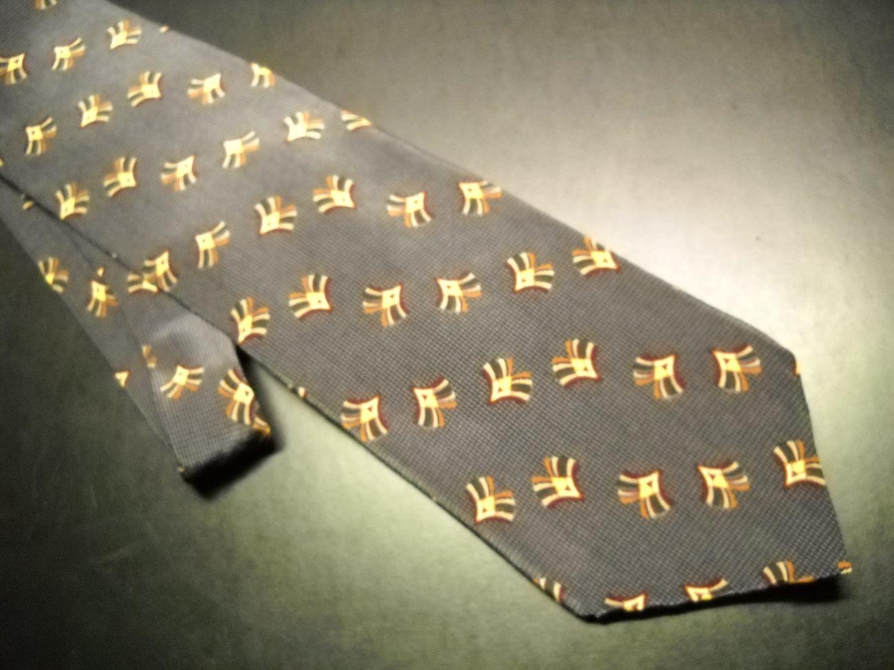 Bill Blass Black Label Neck Tie Browns Unused and Unworn with Retail Paper Tag
