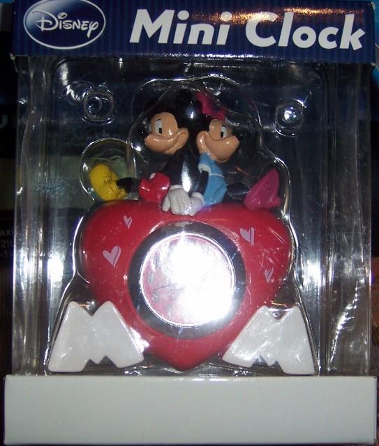 Disney Mickey Mouse and Minnie Quartz Analog Mini Heart Shaped Clock NEW