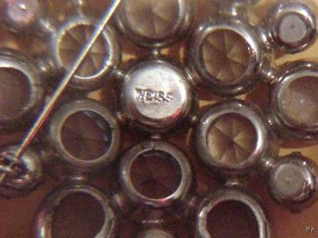 Vintage Stunning Signed WEISS Rhinestones Brooch Pin