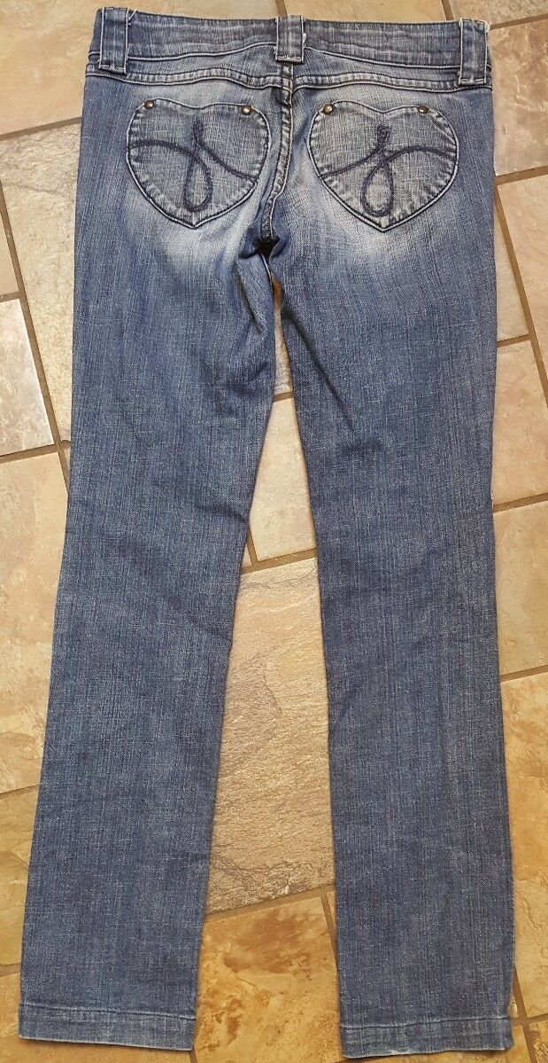 Woman's Juicy Couture Jeans Size 27 X 31 nice and distressed, (w3) image 3