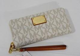 NWT Michael Kors Signature Jet Set Travel Continental Wallet/Wristlet in Vanilla - $139.00