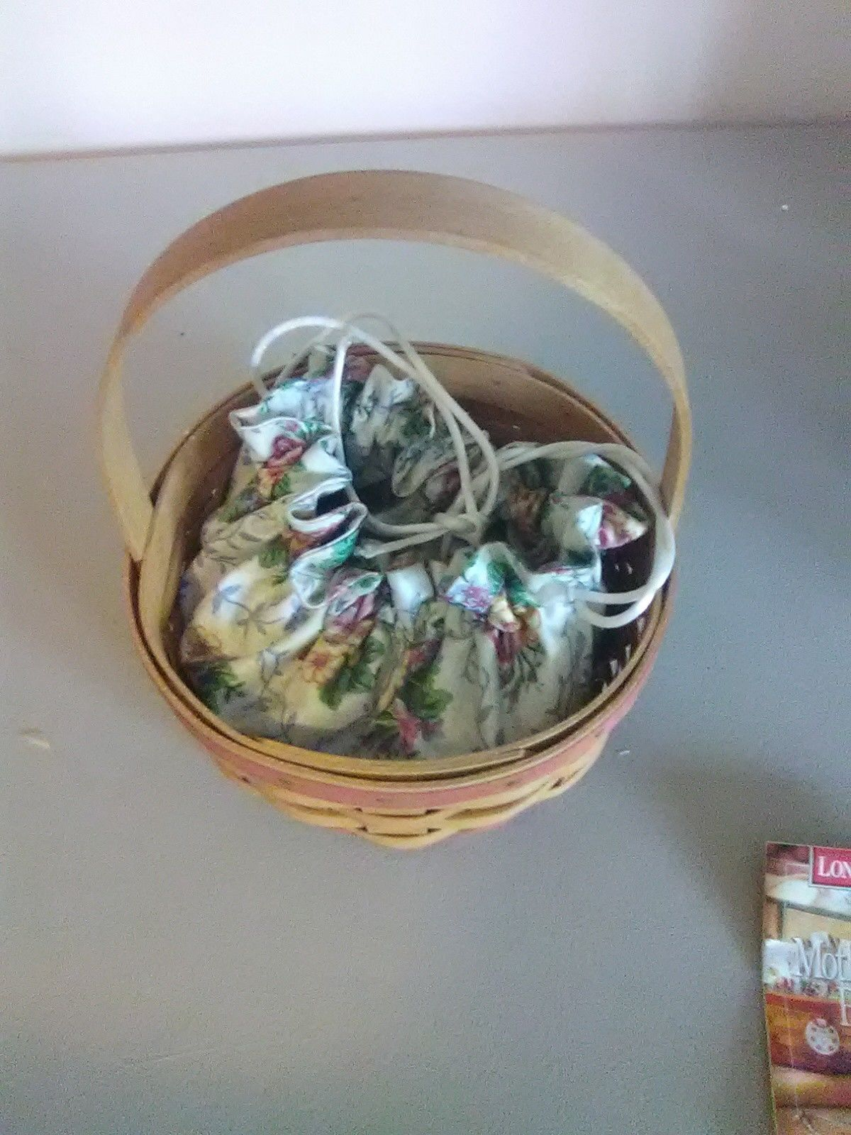 Primary image for 1998 Round Longaberger Mother's Day Basket with Liner
