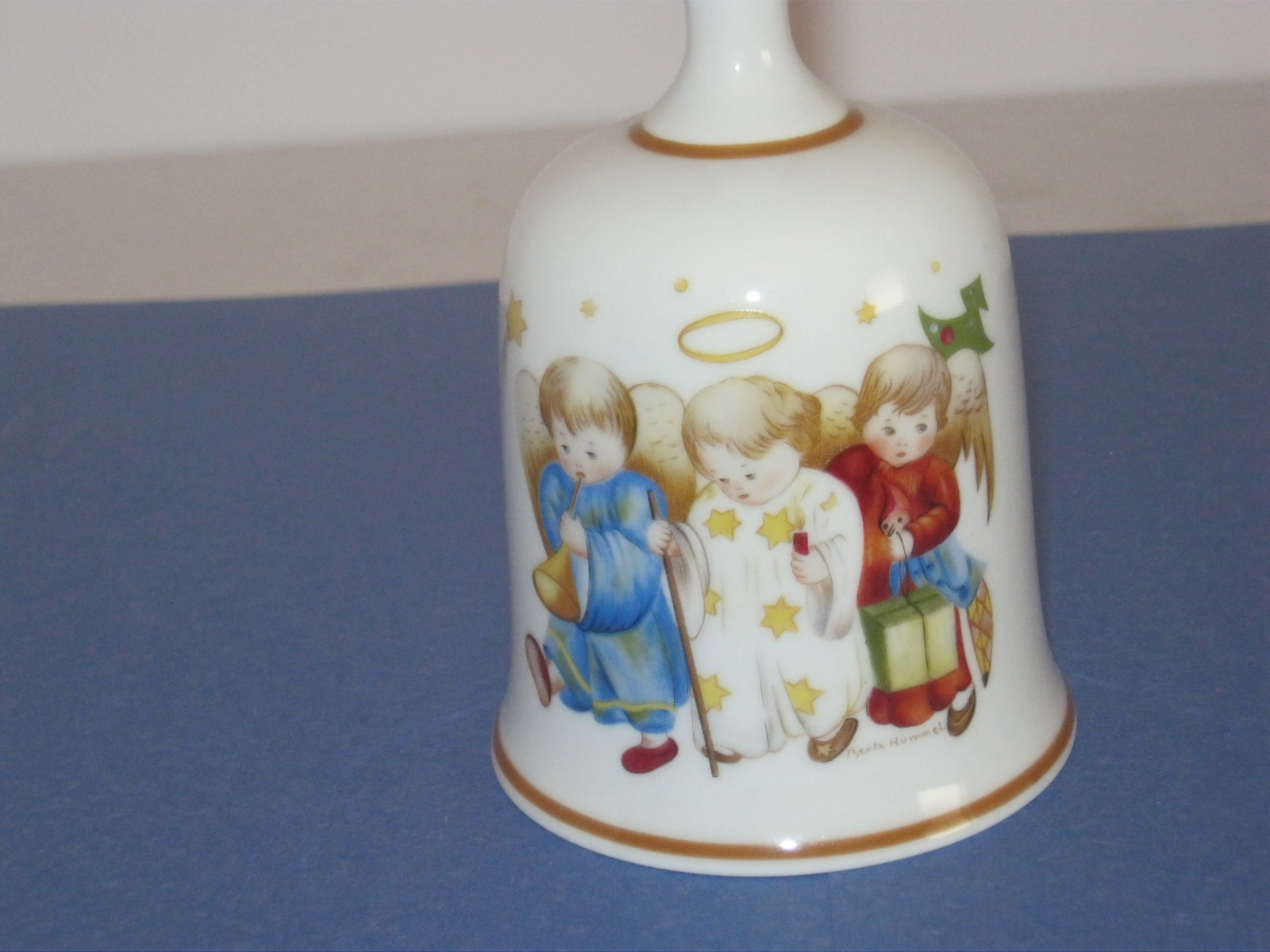 1978 BERTA UMMEL CHRISTMAS BELL BY SCHMID BROTHERS IN GERMANY. - $10.00