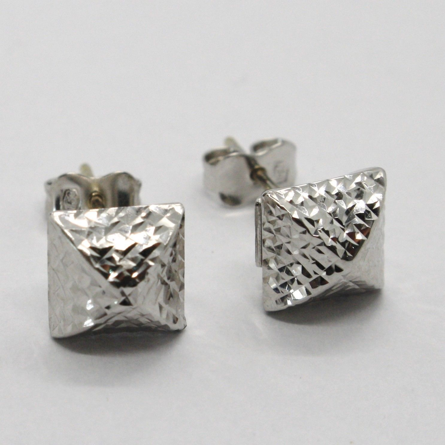 18K WHITE GOLD SQUARE EARRINGS FINELY WORKED, ROUNDED, BRIGHT, MADE IN ITALY
