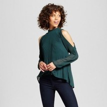NWT XOXO Women's Pleated Mock Neck Cold Shoulder Blouse - Green - Size:M - $29.69
