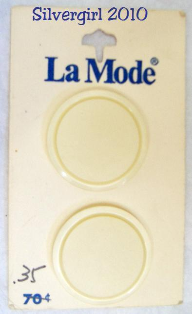 La mode 1 1 8 in flat shank 2 carded buttons 2 cards