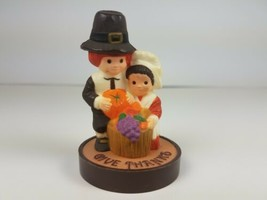 Hallmark Thanksgiving Pilgrims Couple Kneeling Give Thanks Merry Miniature  - $17.77