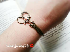 Antique Brass Scissors Bracelet Scissor Cuff Bracelet Hair Dresser Brace... - $32.00