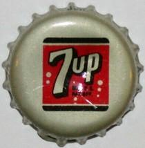 Vintage soda pop bottle cap 7 UP Watertown Wisconsin cork lined excellen... - $6.29