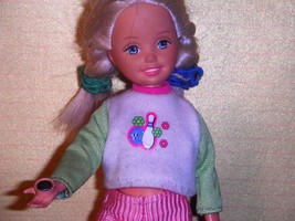 1999 Bowling Party Stacie Whitney Skipper Doll Bowling Magnetic Hand But... - $18.99