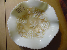 Northwood Nutmeg Grape and Cable Custard Glass Candy Dish Ruffled Bowl G... - $34.60