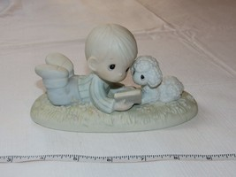 Precious Moments Collectors Club PM-852 I Love To Tell The Story 1984 - $39.59