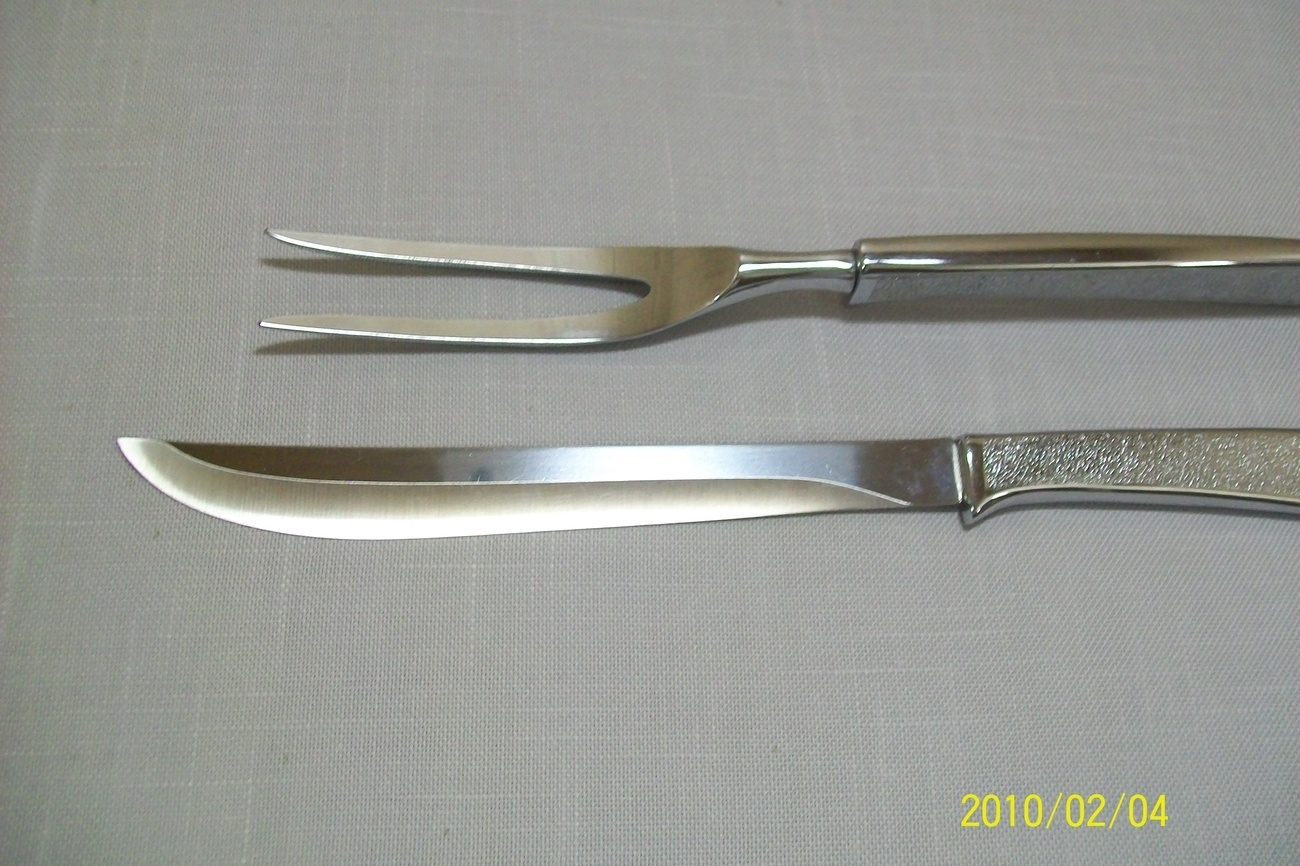 Carvel Hall Silver Tone Roast Carving Set Knife & Fork Stainless