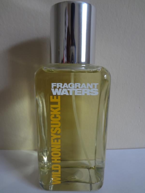Bath & Body Works Wild Honeysuckle Fragrant Waters Perfume 10 fl oz / 295 ml
