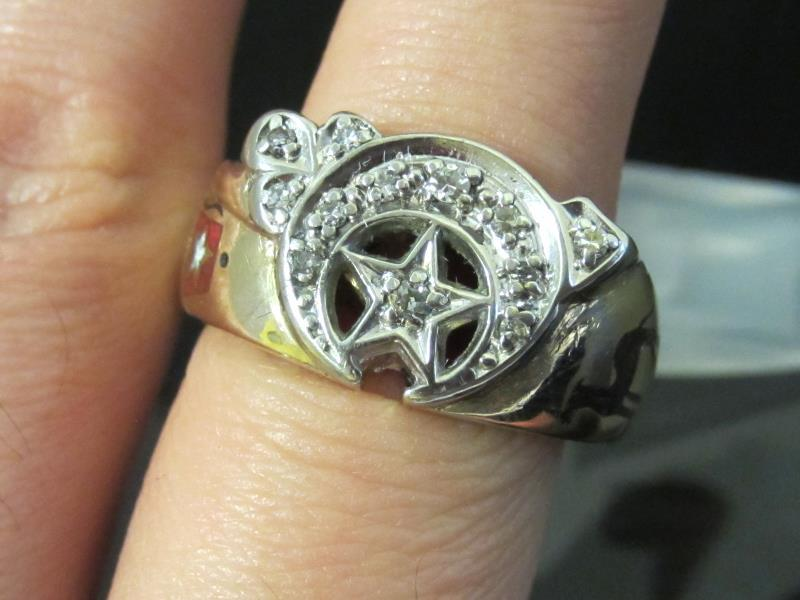 Vintage Mens Shriners .20ct tw Diamond Ring 14K Yellow Gold Size 10.25