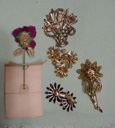 5 Vintage Enamel Metal Flower Brooch Pins Earrings