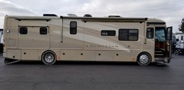 2005 American Coach American Tradition 40L For Sale In Chagrin Falls, OH 44023 image 1