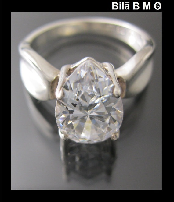 Vintage CUBIC ZIRCONIA Simulated Diamond RING in STERLING  - Size 6 1/4