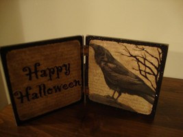 HAPPY HALLOWEEN new small wood crow sign sitter  - $14.01