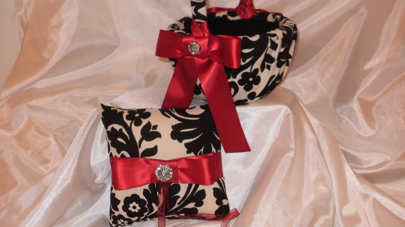 DAMASK SET  PILLOW and Flower Girl Basket Set Waverly onyx Black and Ivory Ringb