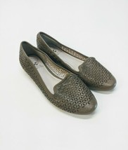 Vince Camuto Kitten Heels Ballet Flats Size 7 Punched Green Leather Mocs Wooden - $24.18