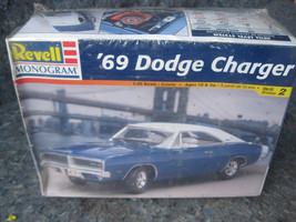 REVELL '69 Dodge Charger Model 85-2546 NIP 1:25 Factory Sealed - $24.74