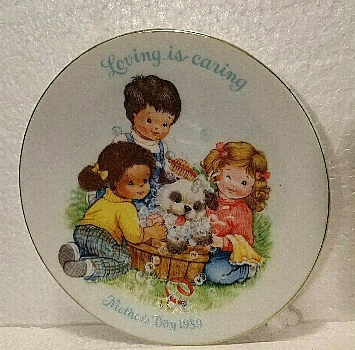 """Avon Collectibles Mother's Day Plate 1989 Small 5"""" Vintage """"Loving is Caring"""" - $4.94"""