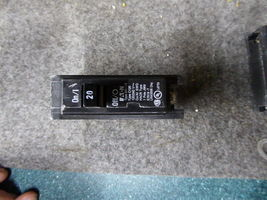 2 New Eaton BR120 Circuit Breakers 20A 1 pole Type image 4