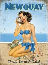 Newquay Playa Pin-Up Girl On The Cornualles Coast Pequeño Metálico - $6.43