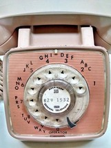 VINTAGE GTE AUTOMATIC ELECTRIC LIGHT BROWN ROTARY DIAL TELEPHONE - $19.75