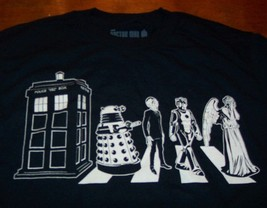 DOCTOR WHO  CHARACTERS PHONE BOOTH BOX BBC T-Shirt XL NEW - $19.80