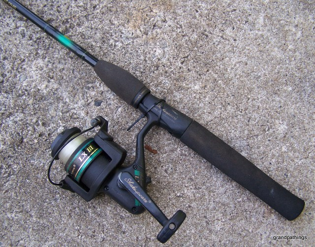 Shakespeare lx lll spinning fishing reel and rod fishing for Shakespeare fishing pole