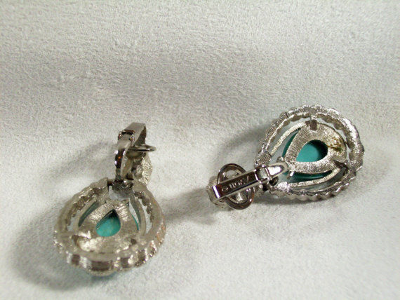 AVON Faux TURQUOISE Tear Drop Clip Earrings FROSTY SILVER Plated ROPE Vintage image 5