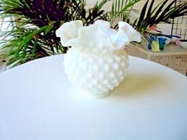 Vintage Fenton Hobnail Ruffle Small Milk White Bud Vase - $23.76