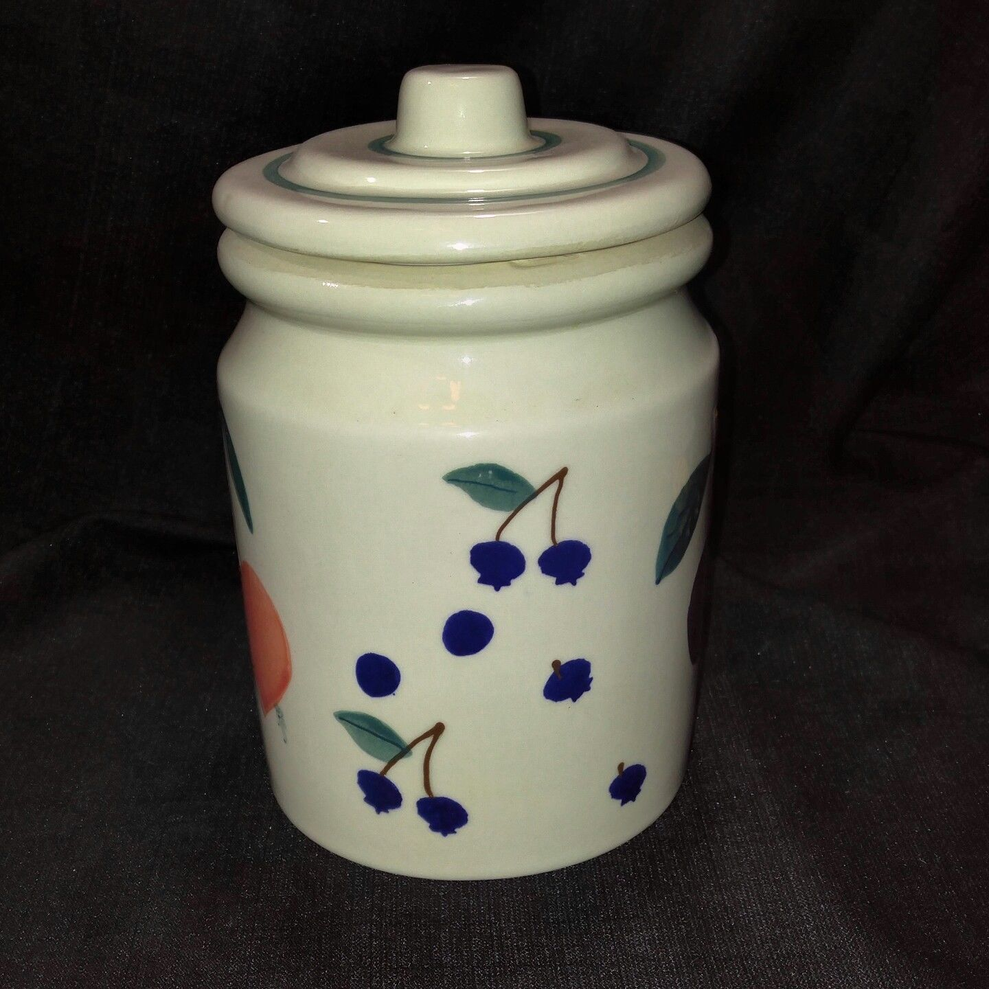 1983 Hartstone FRUIT SALAD Med Canister Flat Knob Hand Painted Artist Initialed