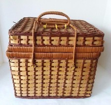 4 Person Set Wicker Hamper Picnic Basket With Flatware Plates Cups - £20.17 GBP