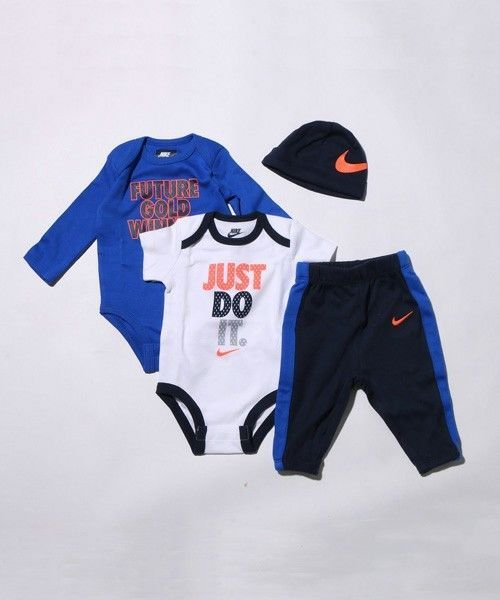 10918654e60efd Nike FUTURE WINNER 4PC Infant Set Gift Pack