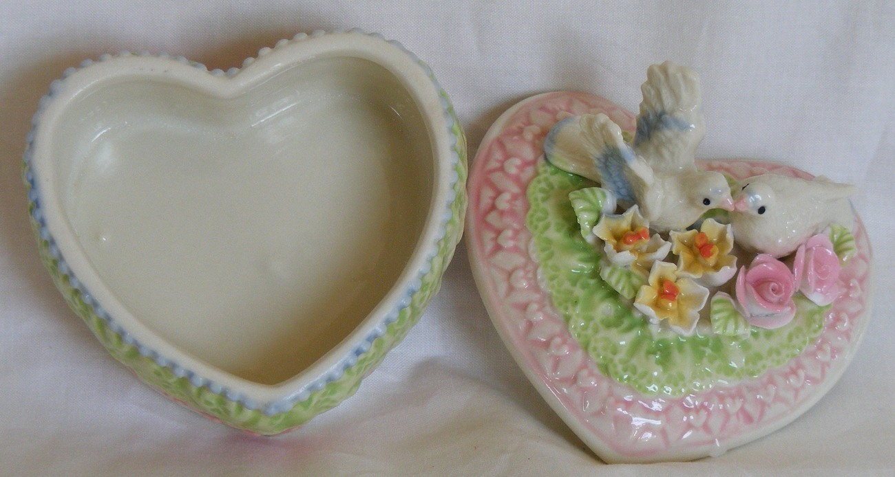 Lovebirds Doves ceramic trinket box Wedding or Anniversary