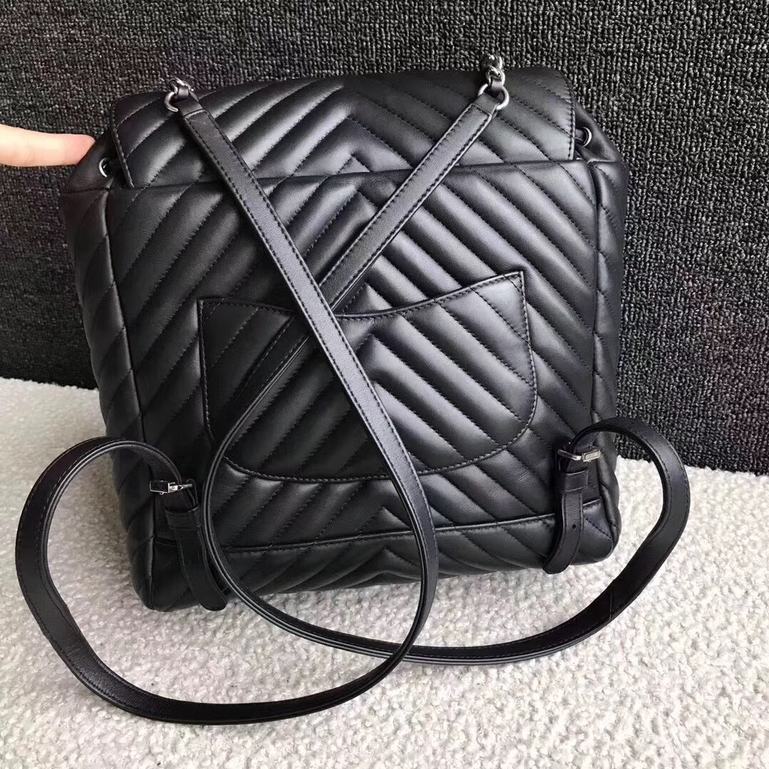 373a99c042ac82 AUTHENTIC CHANEL BLACK CHEVRON QUILTED CALFSKIN LARGE URBAN SPIRIT ...