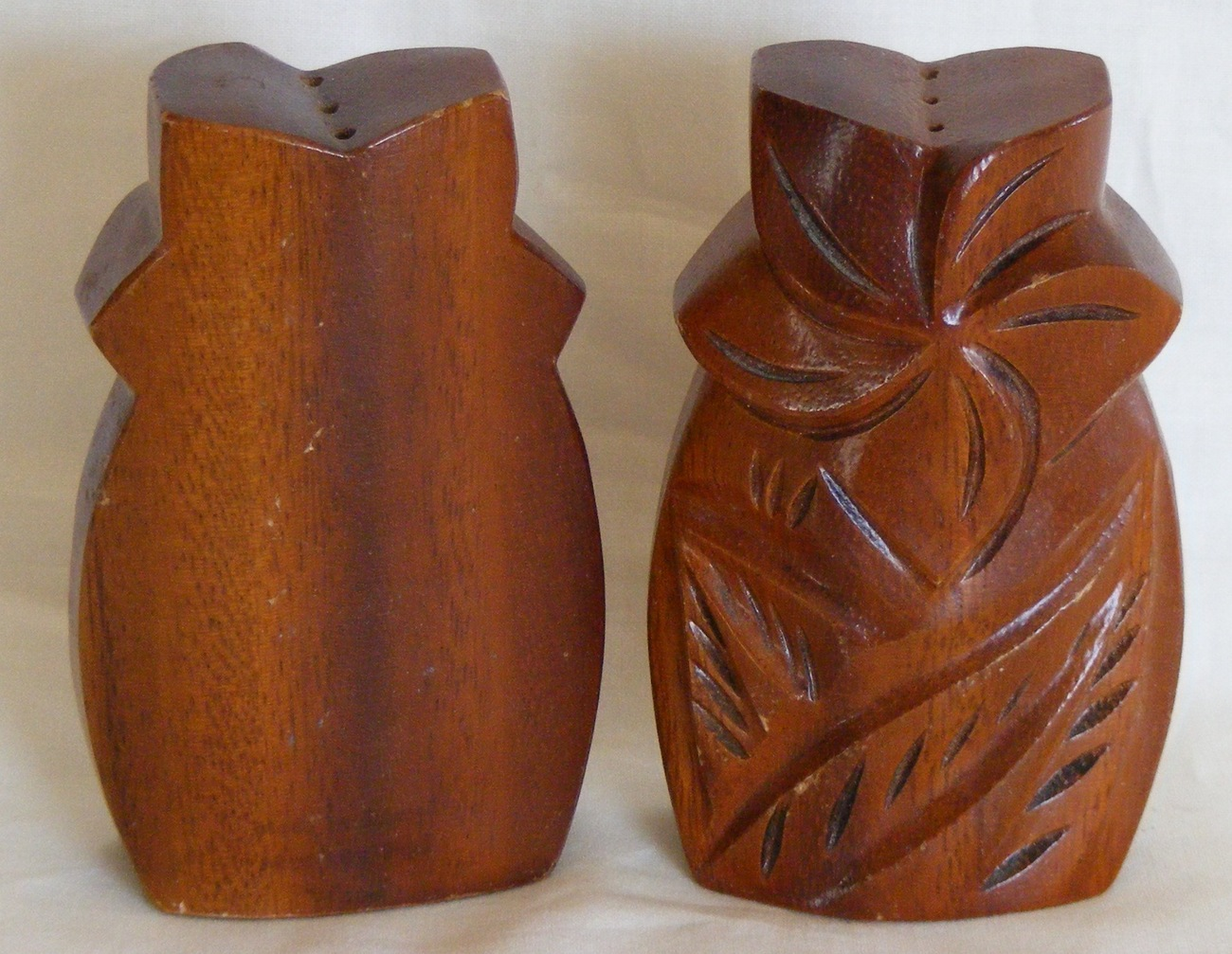 Palm Tree Salt and Pepper Shakers, monkey pod wood, Hawaii
