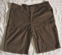 Mens Gap Classic Shorts size 40 Relaxed Fit Knee Length lightweight cord... - $32.62