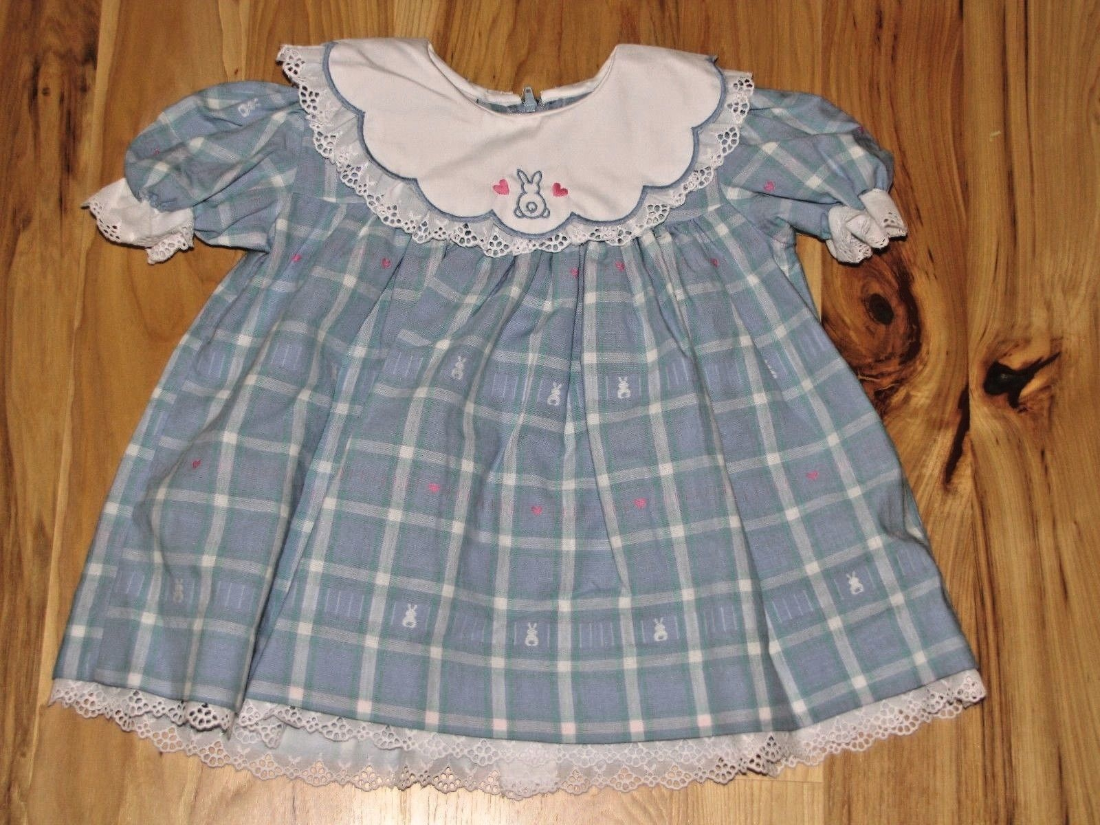 Primary image for VINTAGE BABY GIRL EASTER DRESS GOOD LAD 6-12 MOS LACE LACY RUFFLE COLLAR BUNNY