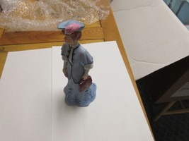 "Porcelaine ,Figurine ,Antique ,Vintage , HAMILTON COLLECTION, ""THE GIBSO... - $24.75"