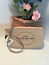 New Coach Wristlet  Horse & Carriage Medium F51788 Bag Light Khaki B18 - $49.49