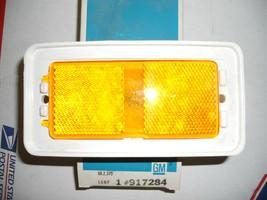 1971-72 OLDS 88 98  FRONT FENDER SIDE MARKER LIGHT 917284 NOS GM - $14.00