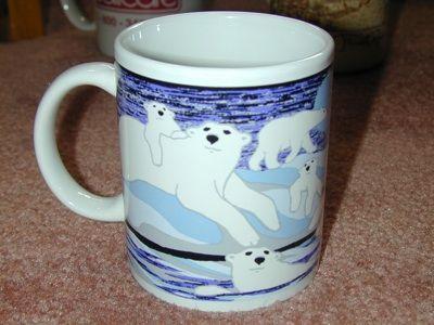 ALASKA Polar Bears with small CUB Mug~ Wow Very Nice!