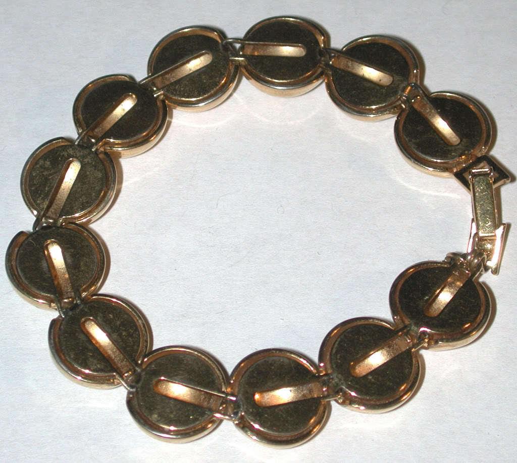 Vintage Gold-tone ball Bracelet Signed PD crown mark