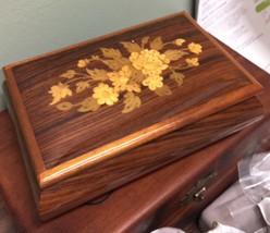 Vintage Working Sorrento Italian Pretty Inlaid Walnut Music Box Arrivede... - $53.99