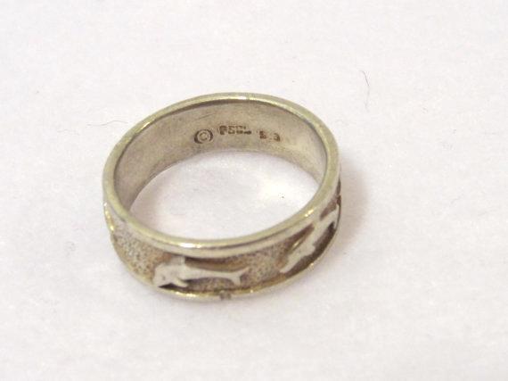 Vintage sterling silver Dophins Band ring size 7