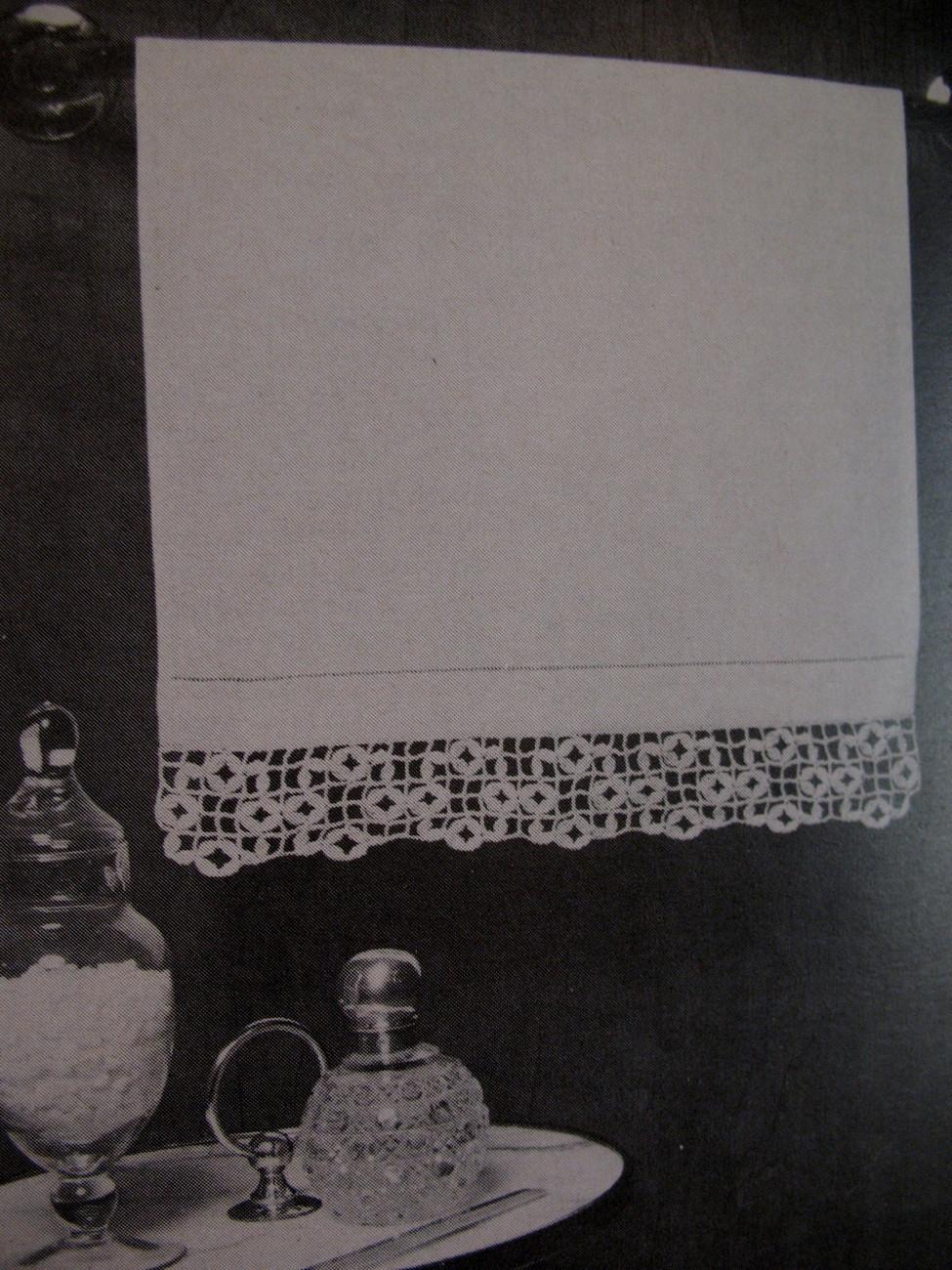 Vintage Doily Cheval Set Mats Lacis Crochet Pattern Booklet